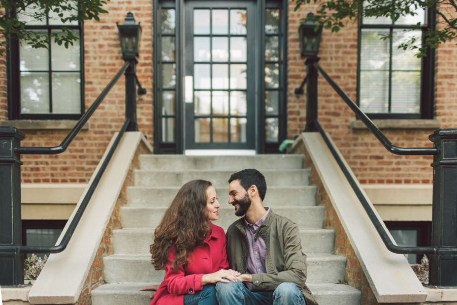 Chicago Engagement Photos Old Town