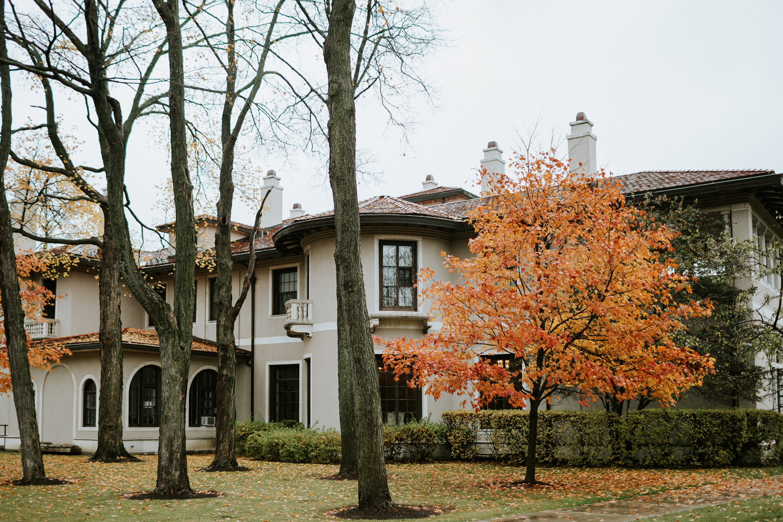 Picture of Armour House in the October for the fall Wedding.