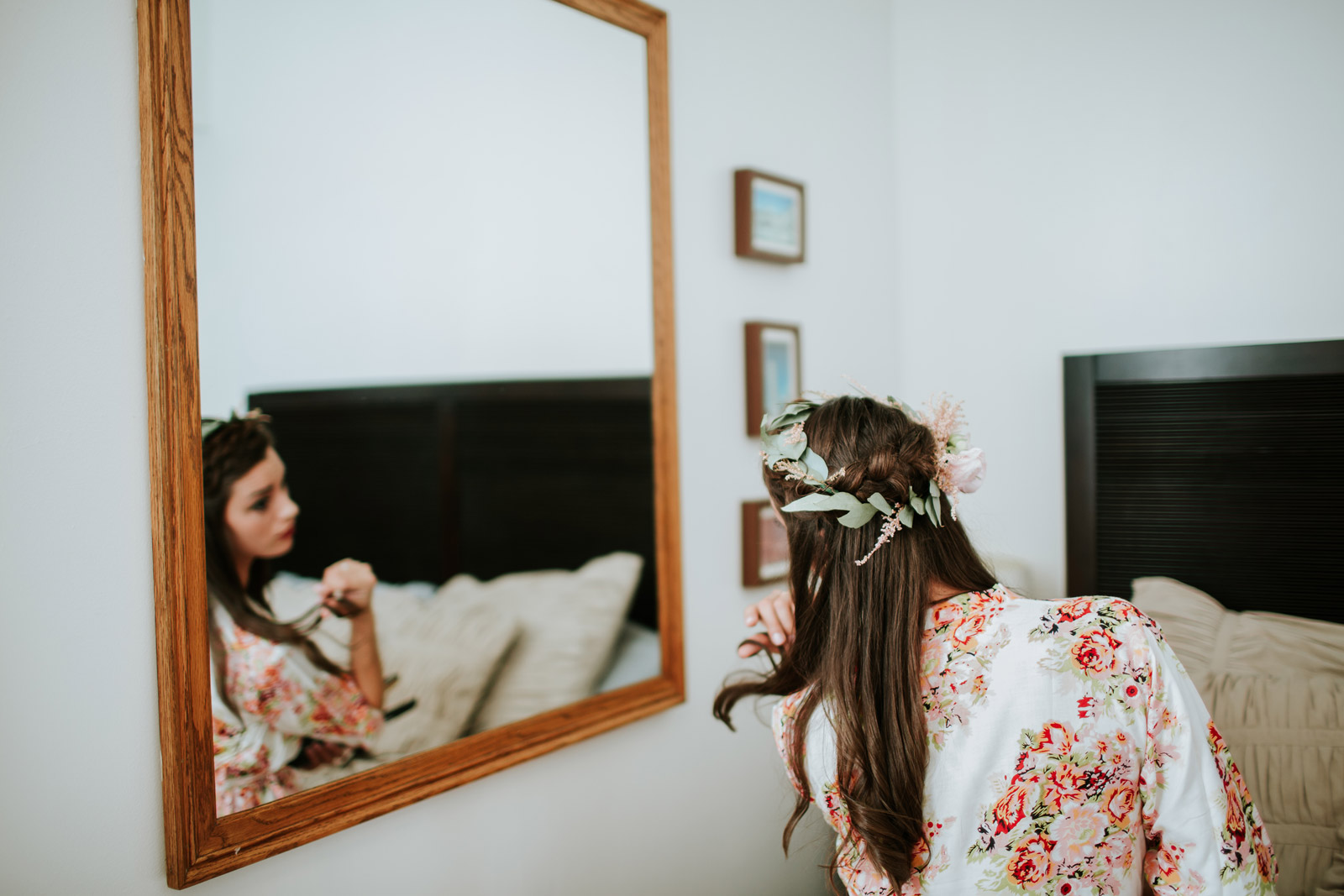Picture of the bride getting ready for her wedding day in Logan Square in Chicago