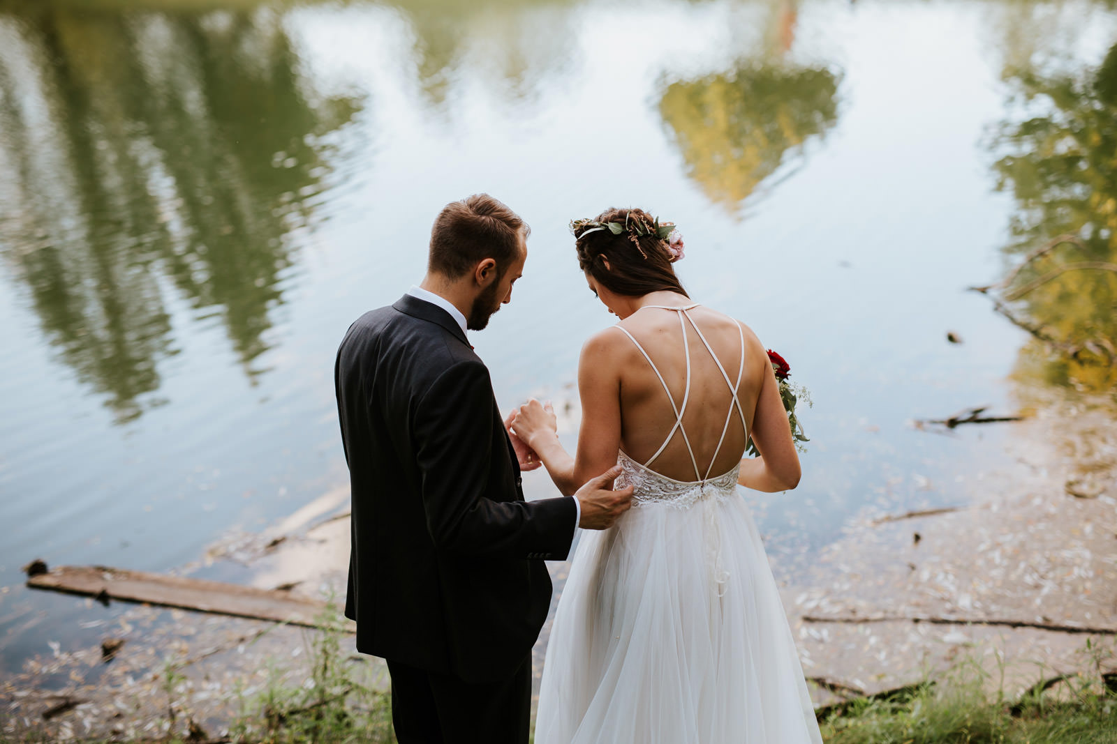 Outdoor destination wedding photographer