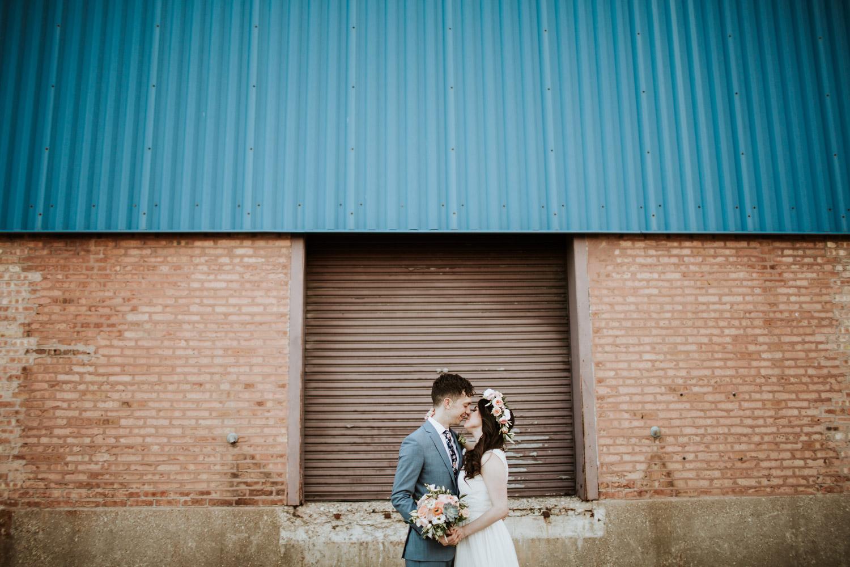 Bride and groom portrait gallery 1028