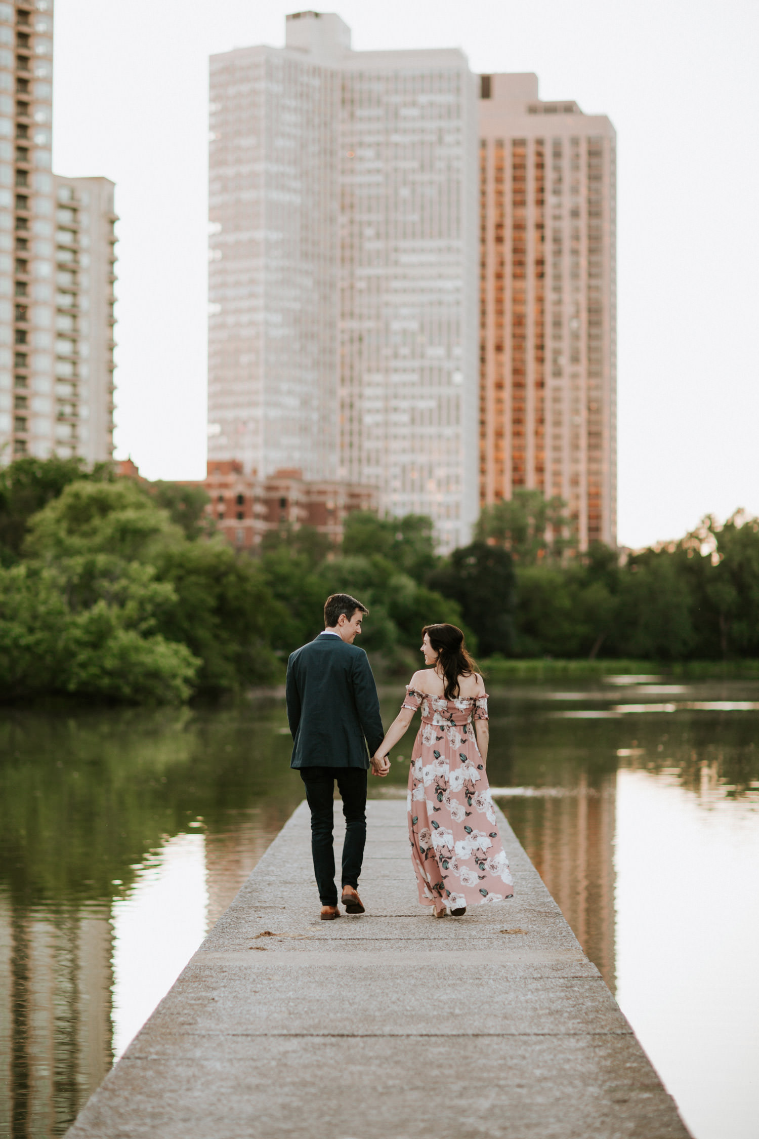Chicago elopement pictures taken in Lincoln Park