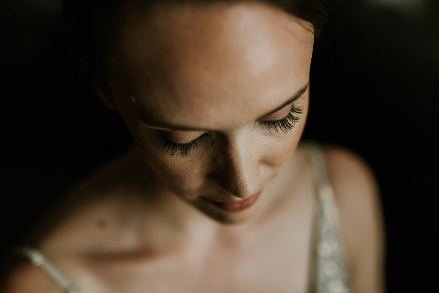 Beauty shot of the bride photographed in Chicago by Mark Trela Photography