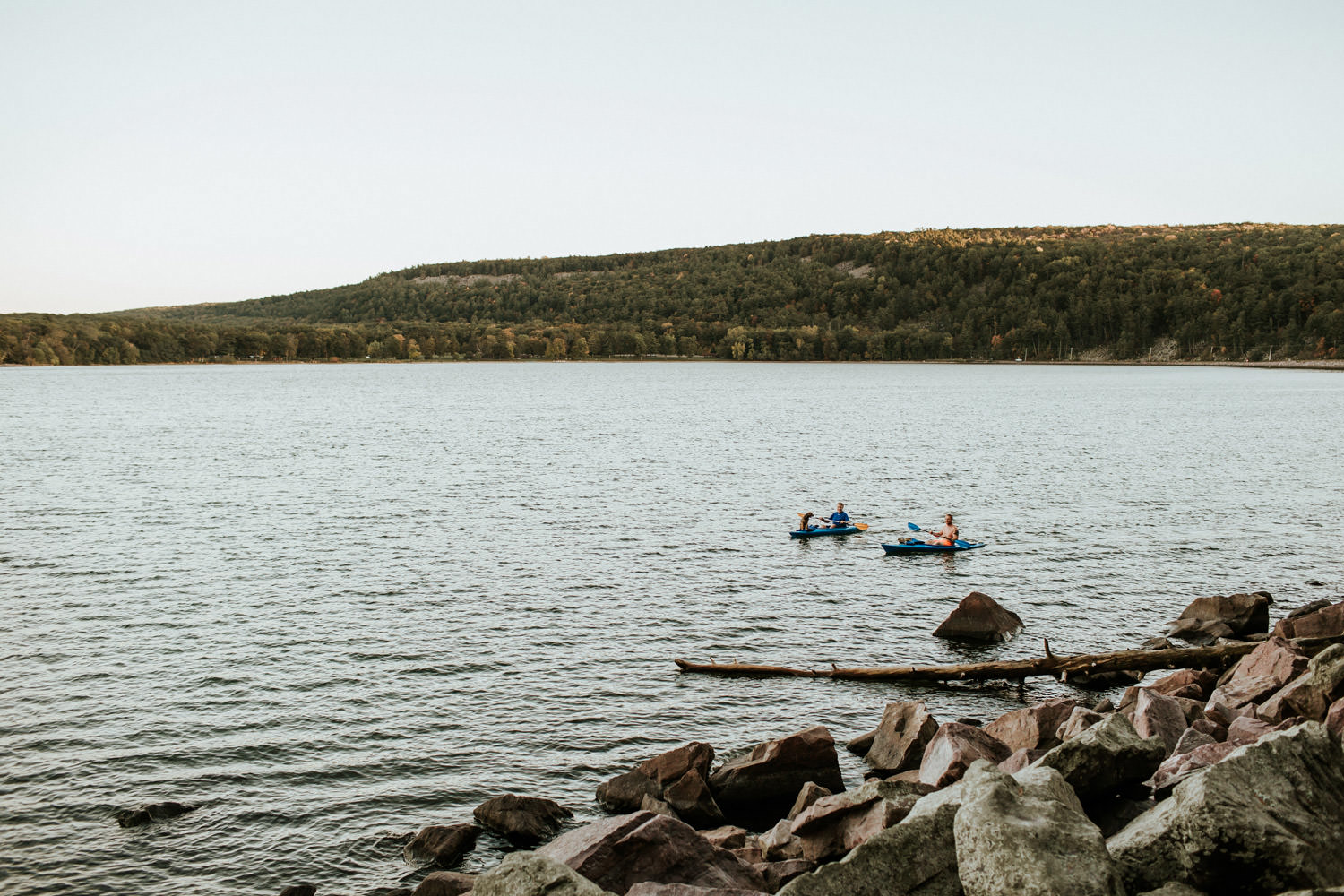 kayakers on the devil's lake in Wisconsin