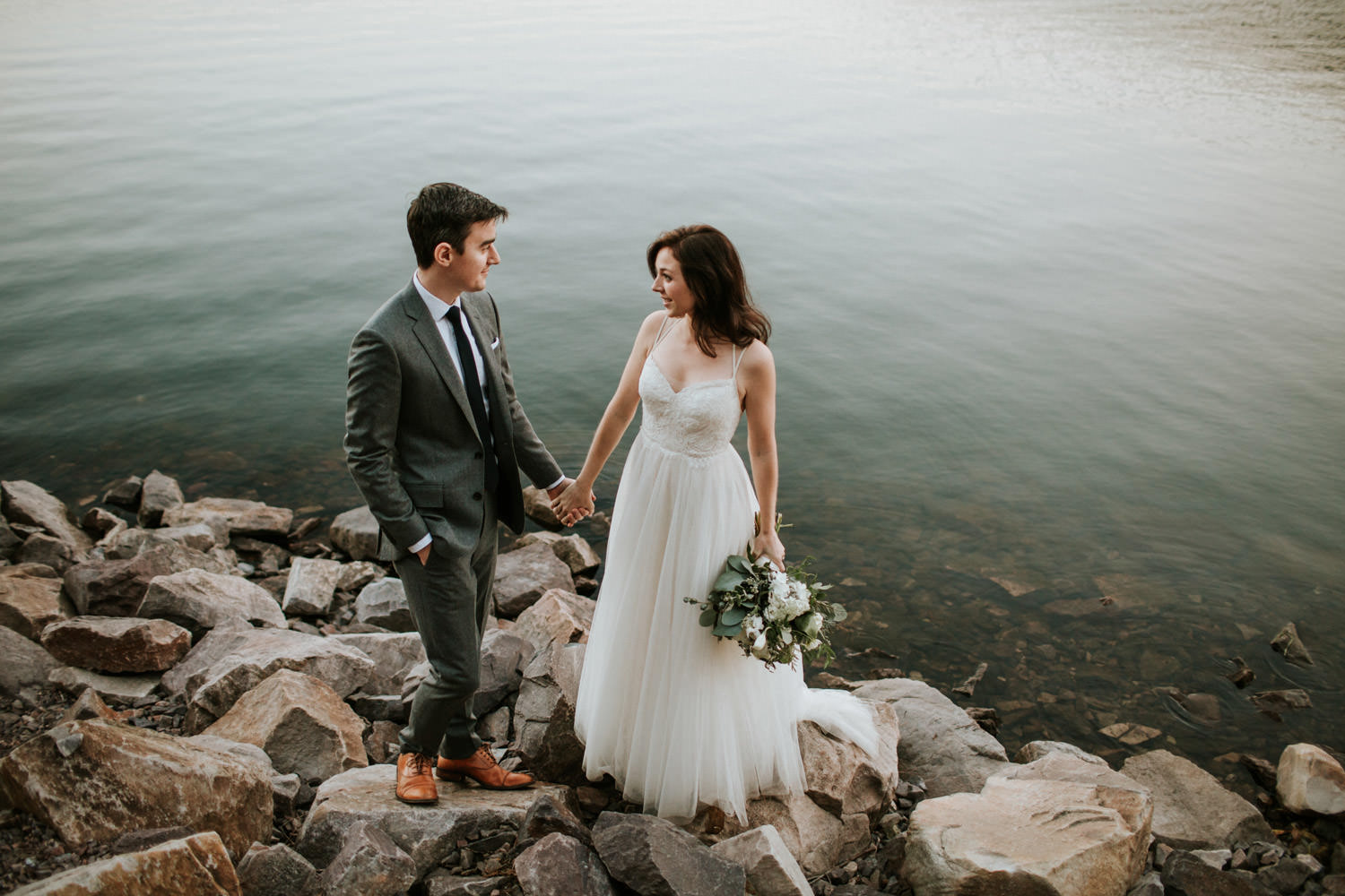 wedding elopement picture at the devil's lake state park in wisconsin