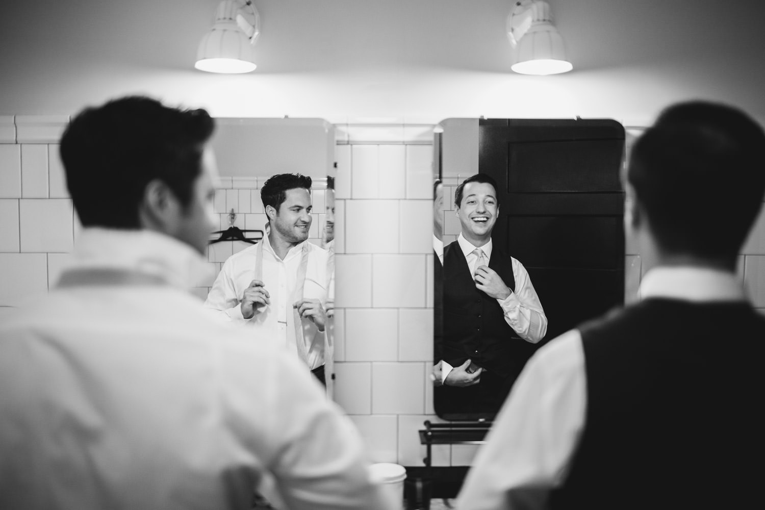 groom and his best man getting ready for the wedding at Chicago Athletic Association hotel