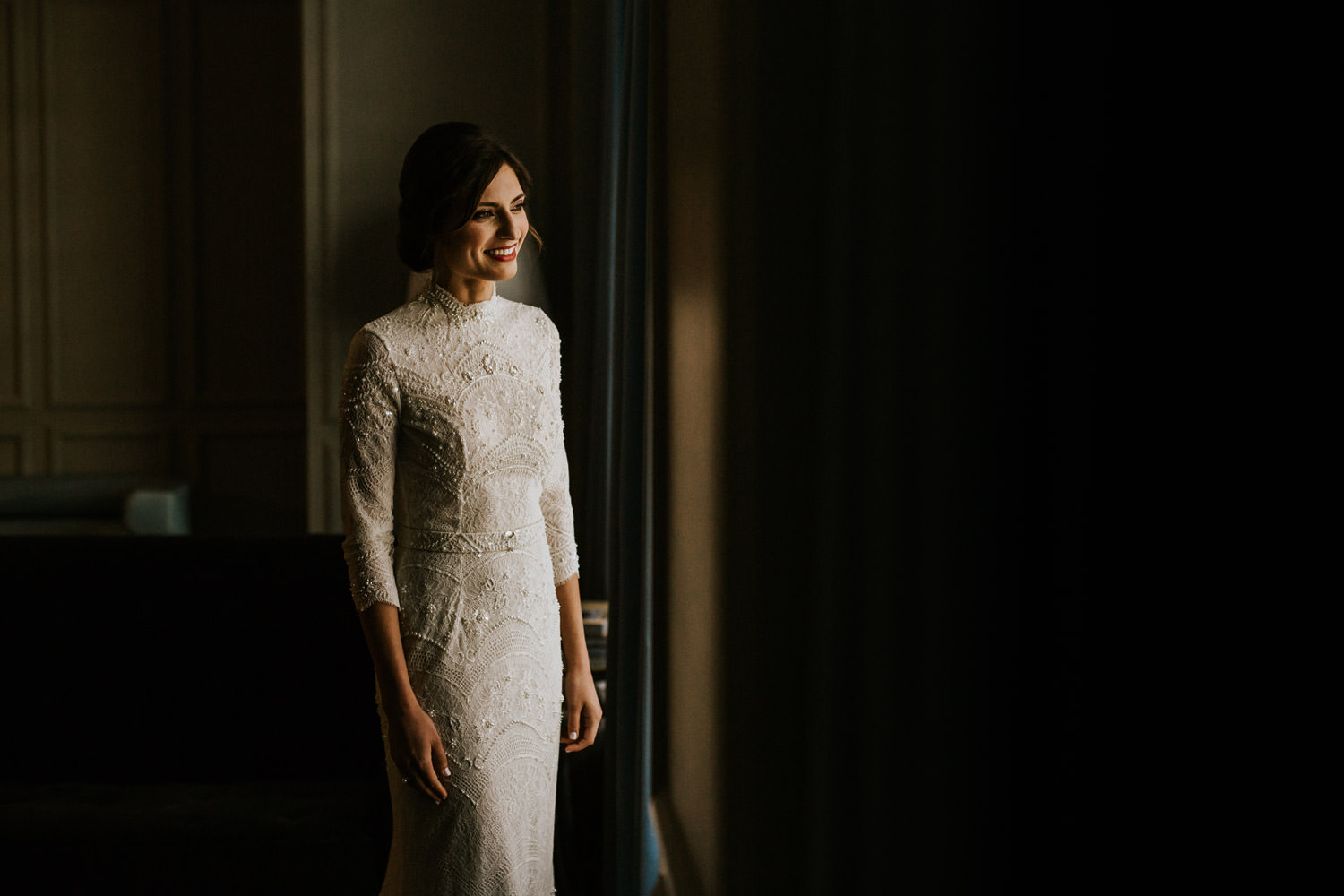 picture of the bride photographed at the gray hotel in chicago