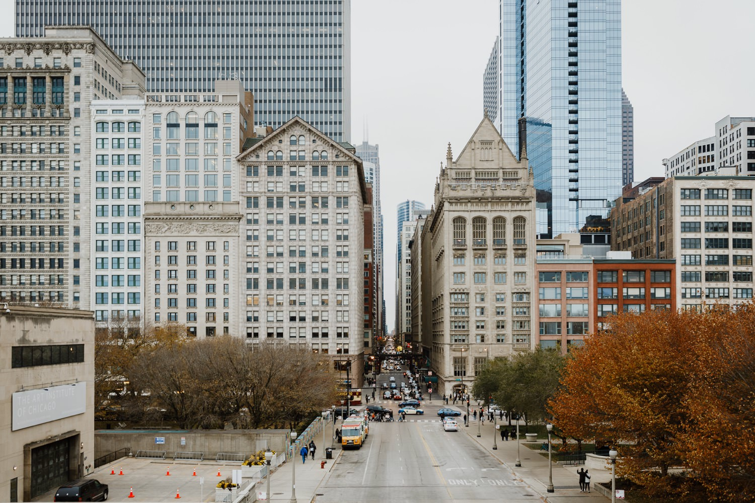 Picture of Michigan ave in chicago taken during the fall engagement session