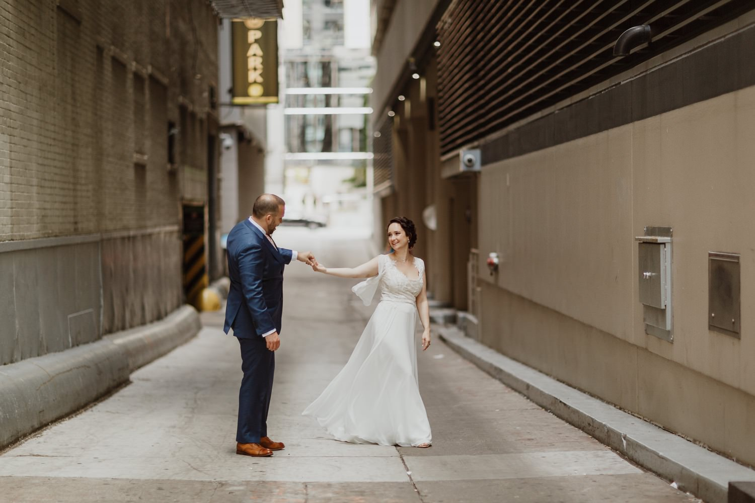 Portrait of the bride and groom in downtown chicago